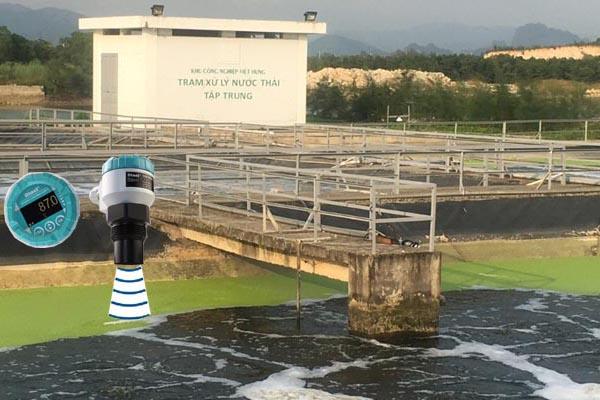 đo mức nước thải bằng cảm biến sóng âm